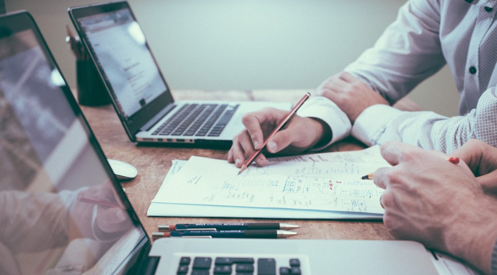 7 Things to Consider When Choosing Invoice Financing